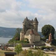 Le Château de Val porte du Cantal