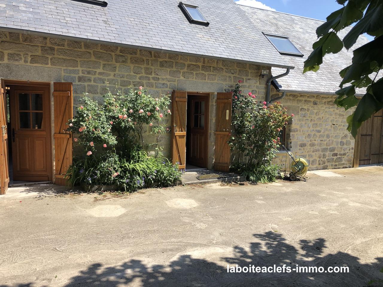 fermette avec piscine en Corrèze